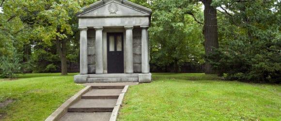 walk-in mausoleum builders